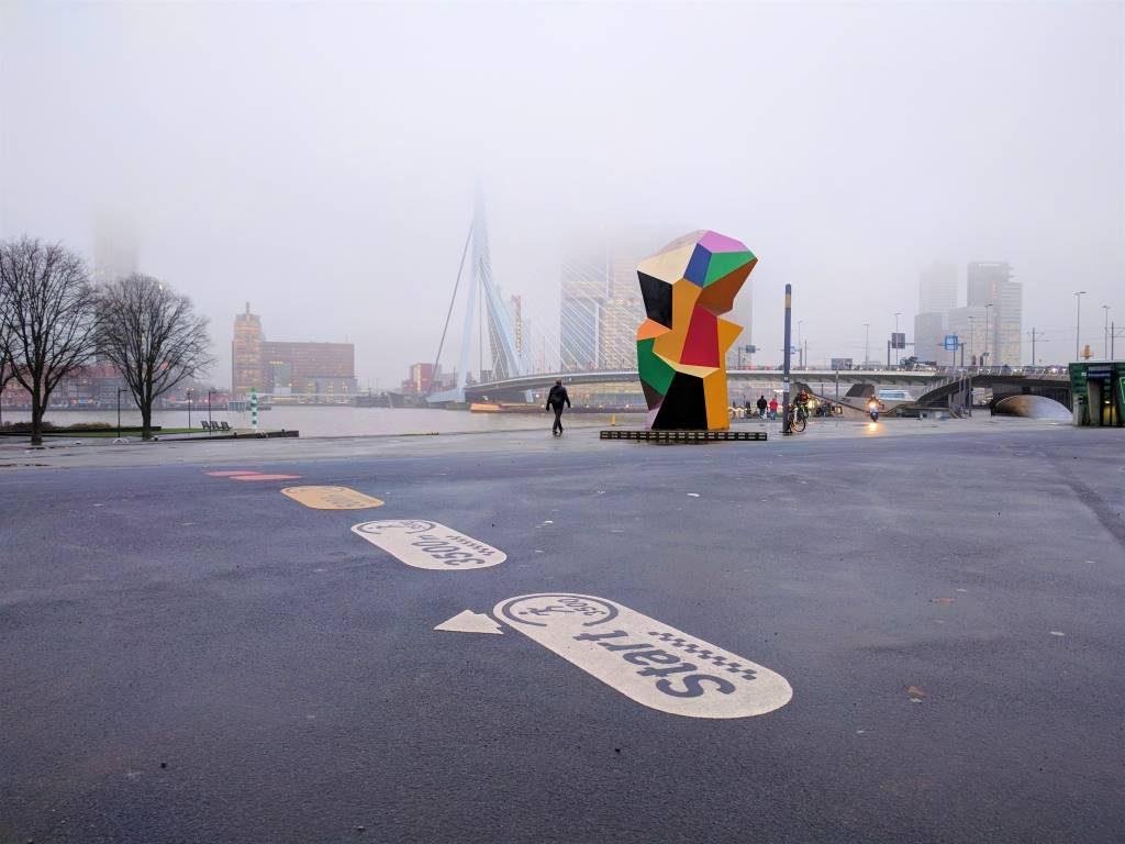 marathonbeeld marathon statue henk visch rotterdam street art